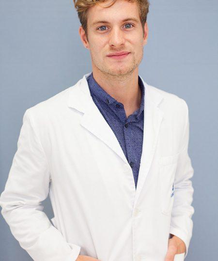 Dr.-Felipe-Sanchez-Schmitt-2x7y9675edc67aw8rpx5oq